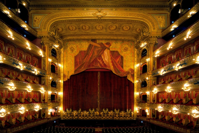 RESTORATION AND DEVELOPMENT OF THE COLUMBUS THEATRE, BUENOS AIRES